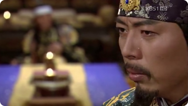 Emperor Murong Chui is dying in the background while prince Murong Xi thinks about what he did