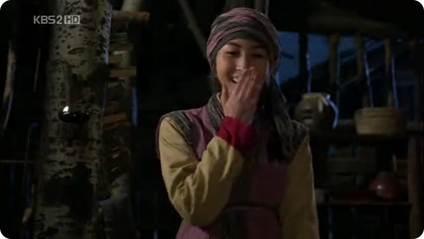 Batty Sul Hwa from Chuno drama covering mouth while laughing